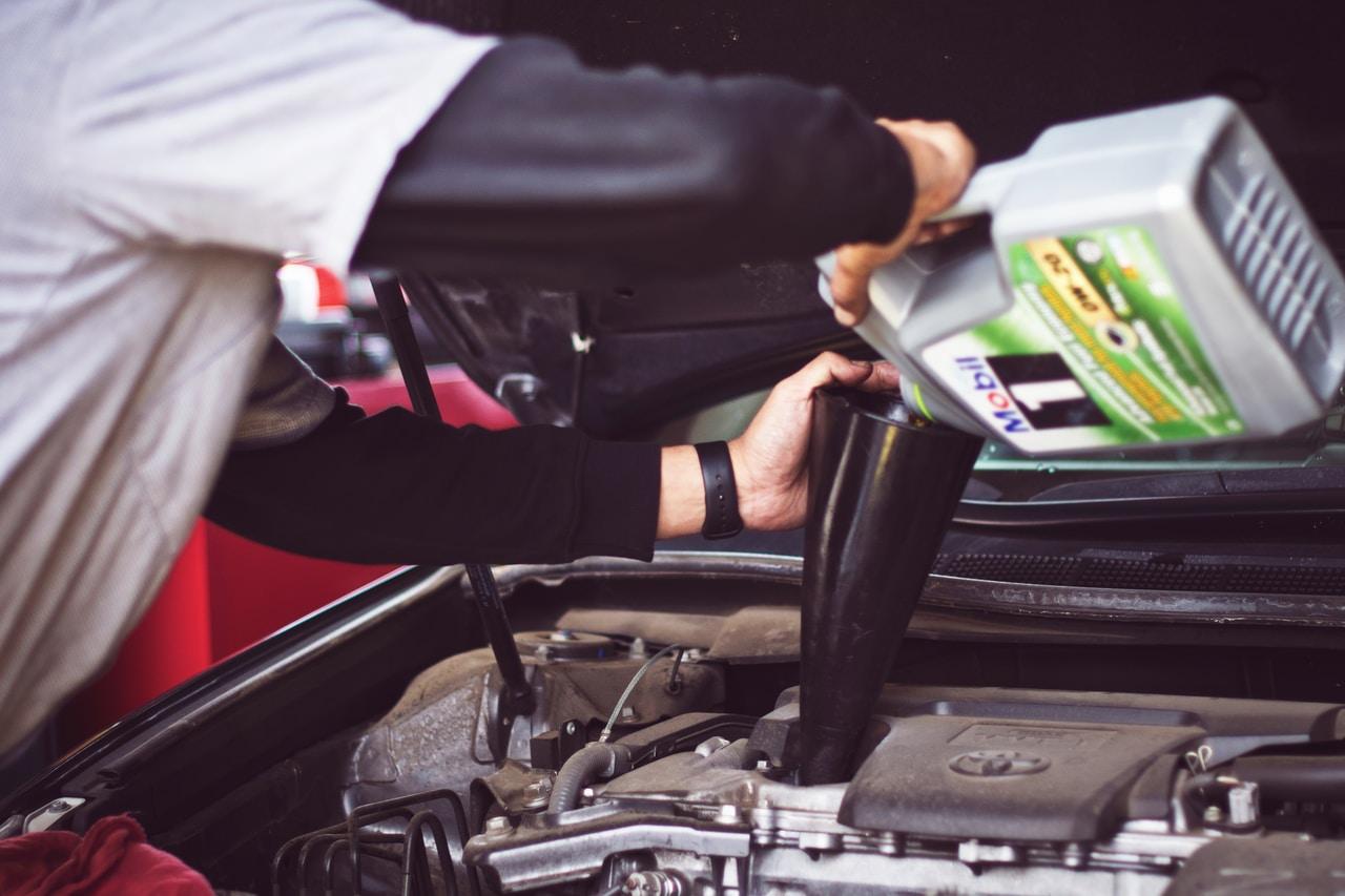 Gdzie znajdziesz najlepsze oleje samochodowe w przemyśle na śląsku