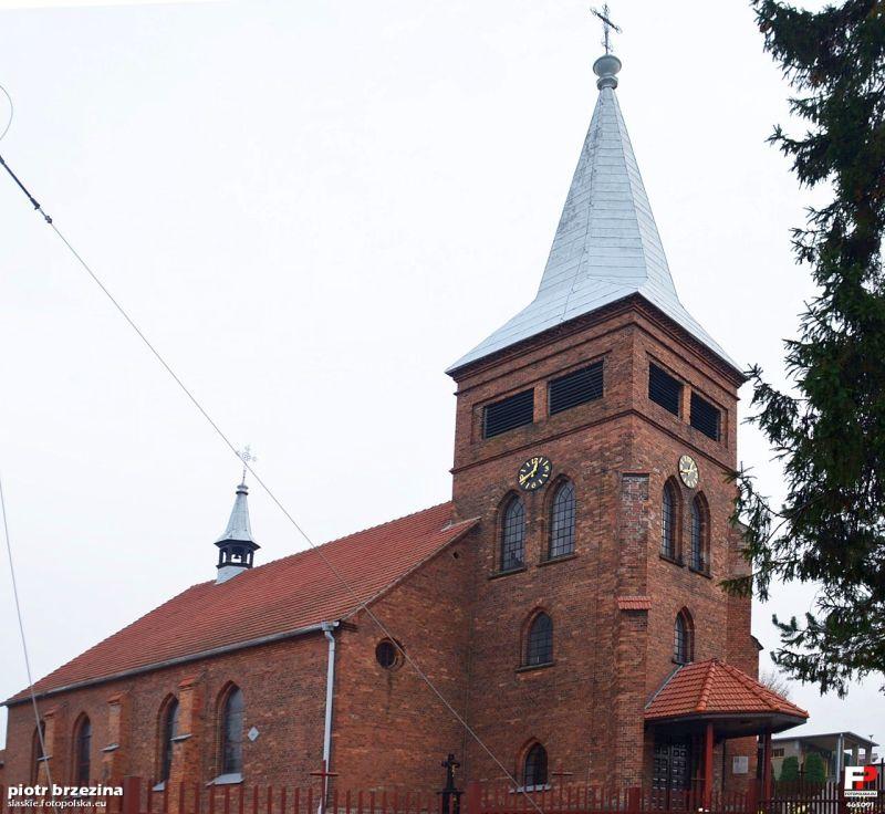 Parafia Brzezinka - Kościół pw. św. Jadwigi